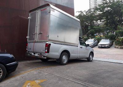 บริการรถรับจ้างขนของด้วยรถหลังคาสูงปลอดภัย
